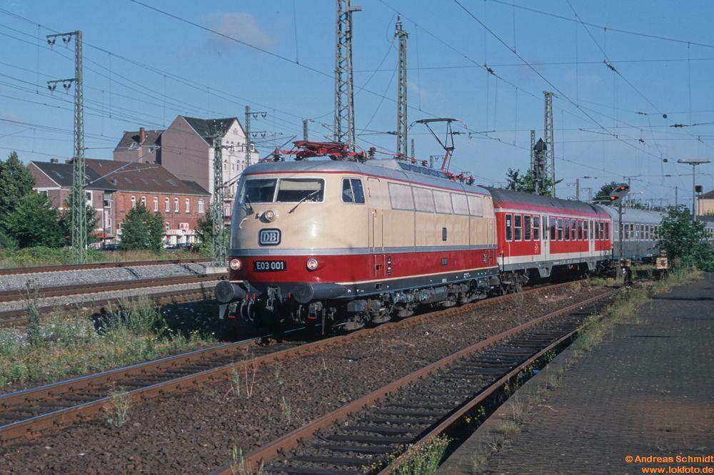 http://www.baureihen.lokfoto.de/BR_103/103_001_002/D30110_103_001.jpg