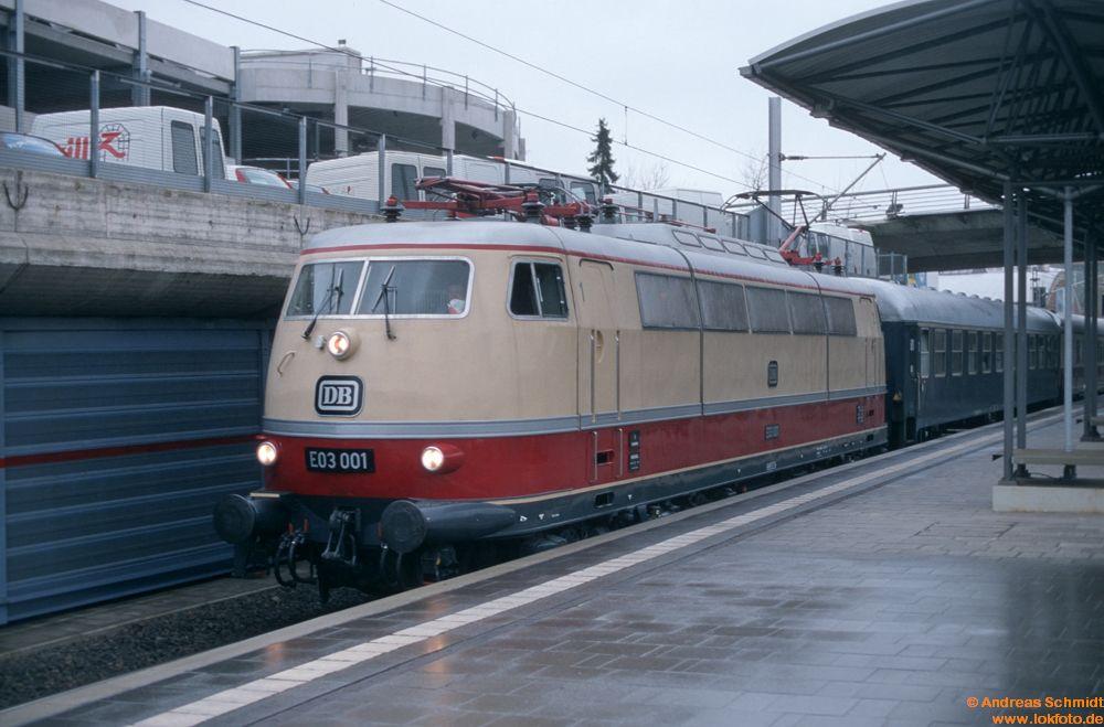 http://www.baureihen.lokfoto.de/BR_103/103_001_002/D31956_103_001.jpg