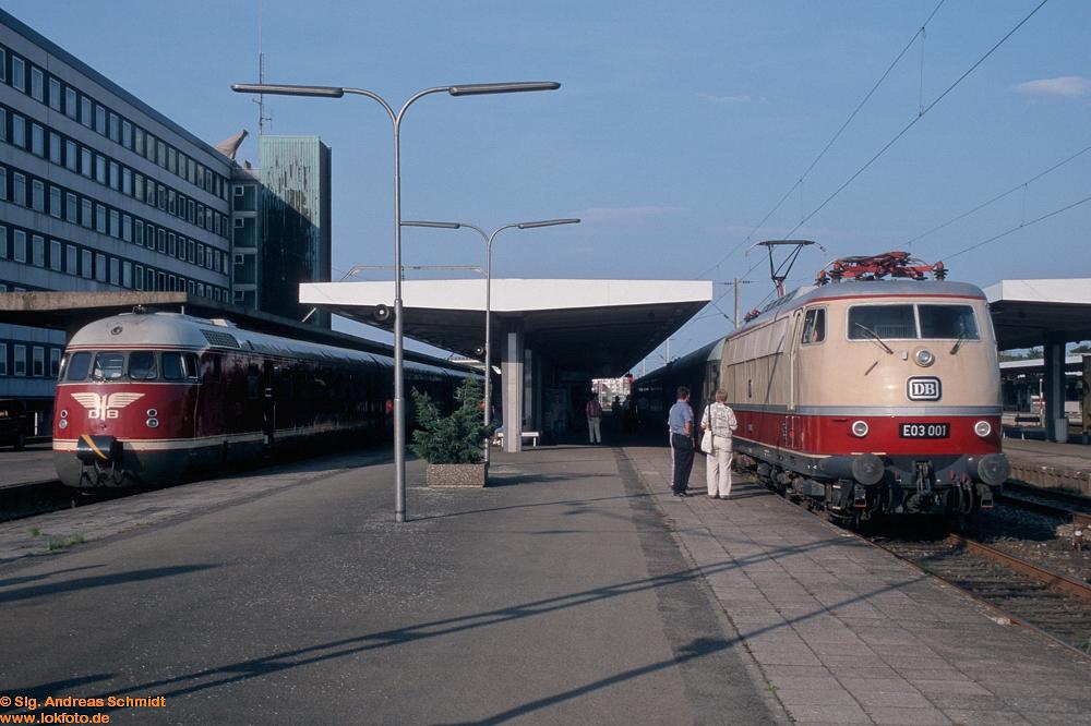 http://www.baureihen.lokfoto.de/BR_103/103_001_002/Df04889_E03_001_Vt_08_520.jpg