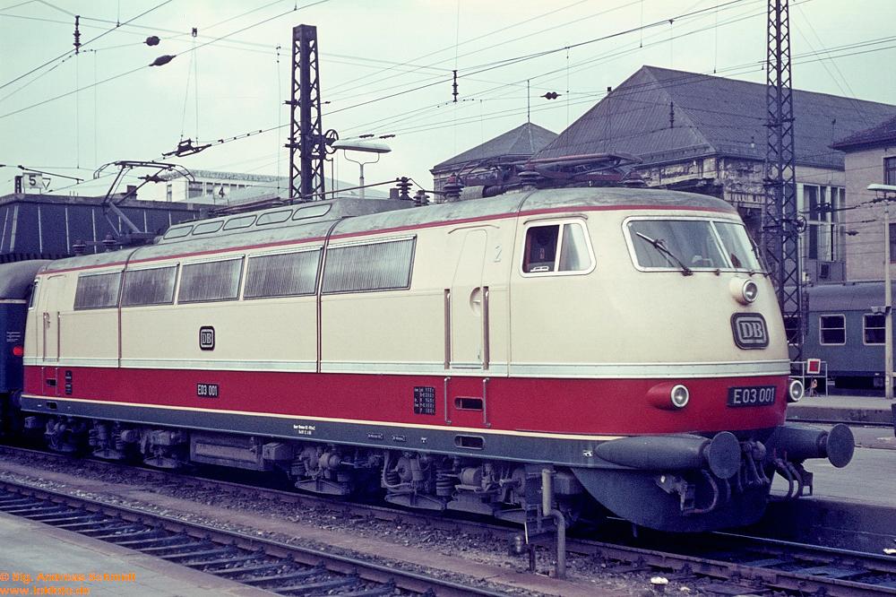 http://www.baureihen.lokfoto.de/BR_103/103_001_002/Df07189_E03_001.jpg