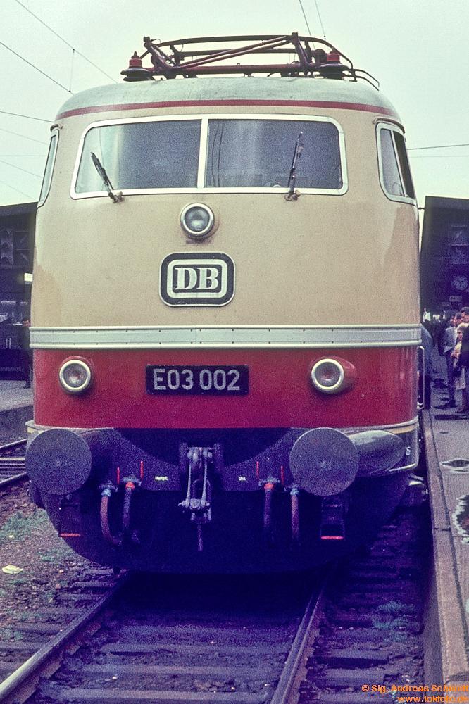 http://www.baureihen.lokfoto.de/BR_103/103_001_002/Df09693_E03_002.jpg