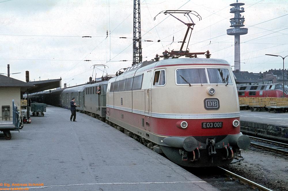 http://www.baureihen.lokfoto.de/BR_103/103_001_002/Df9623_E03_001.jpg