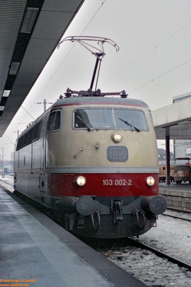 http://www.baureihen.lokfoto.de/BR_103/103_001_002/fn51_3_36_103_002.jpg
